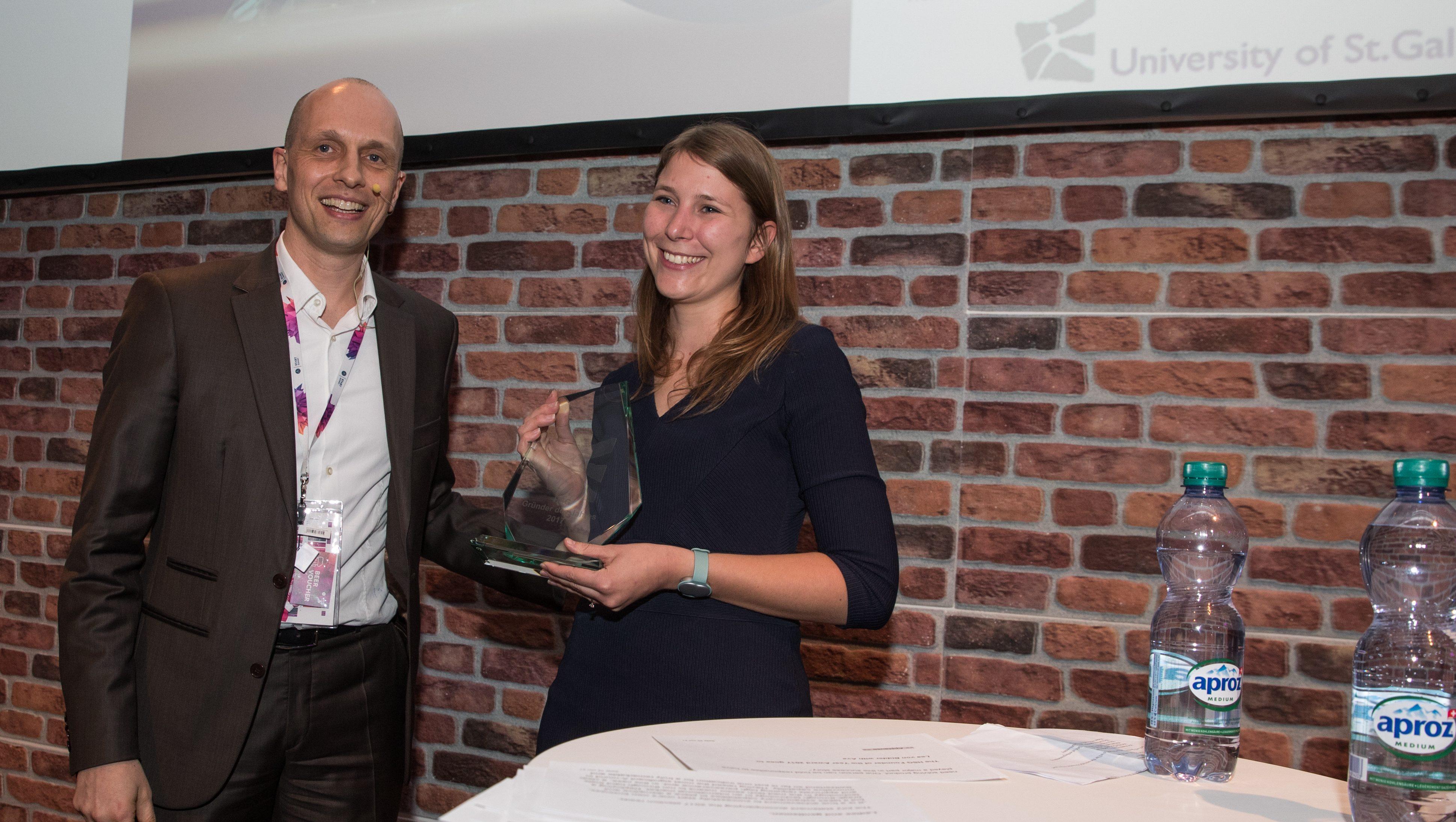 Congrats! – HSG Gründerin des Jahres Lea von Bidder unter den TOP30-Entrepreneuren unter 30 Jahren in den USA